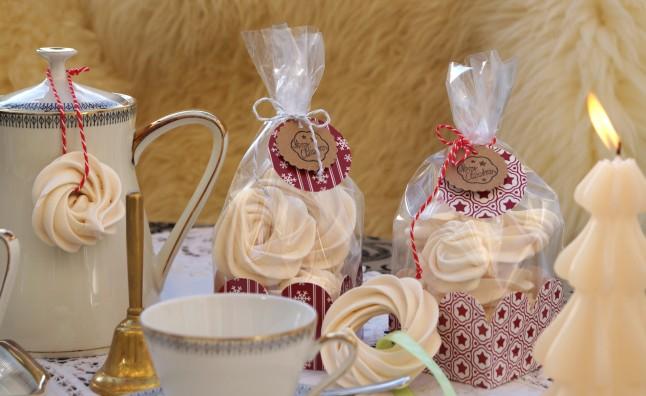 Weihnachtsbäckerei °Eischnee-Ringerln nach einem österreichischen Rezept...Windgebäck...