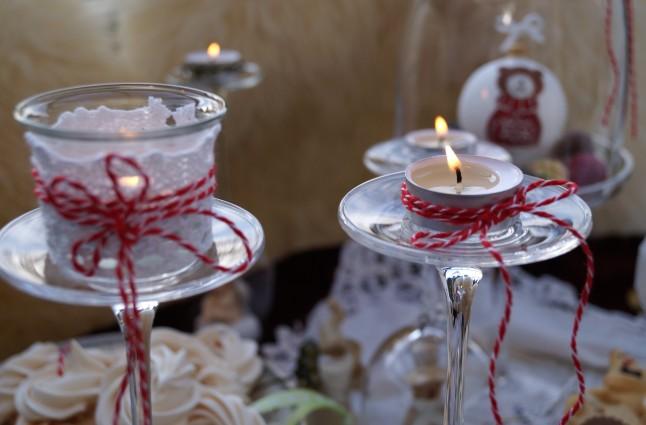 Tischdekoration Weihnachten °Teelichter auf Weingläser