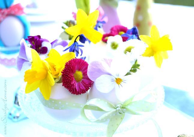 Eierkränzchen mit Blumen