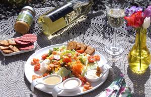 Gemischter Salat mit Garnelen April 2016 Bild 4