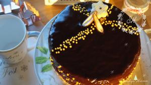 Schokoladentorte mit Lingomberry Yam und feinem Guss à la Sacher